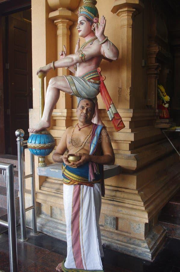 Hinduisk präst arkivbilder
