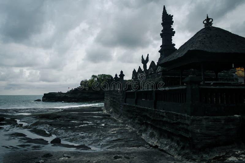 Hinduisk tempel Pura Tanah Lot på Bali, Indonesien royaltyfria bilder