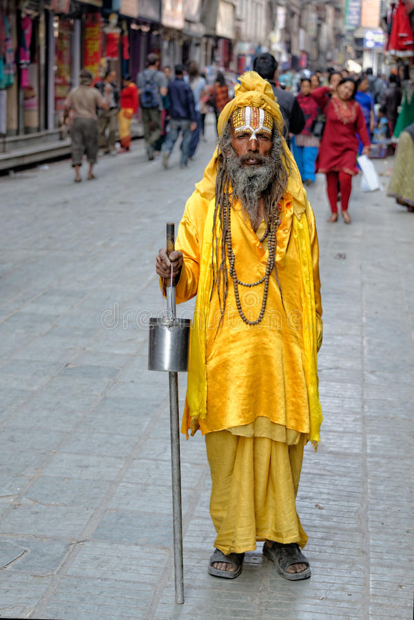 Hinduisk yogi i Katmandu royaltyfri foto
