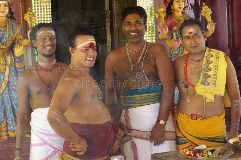 Hinduiska präster arkivfoto