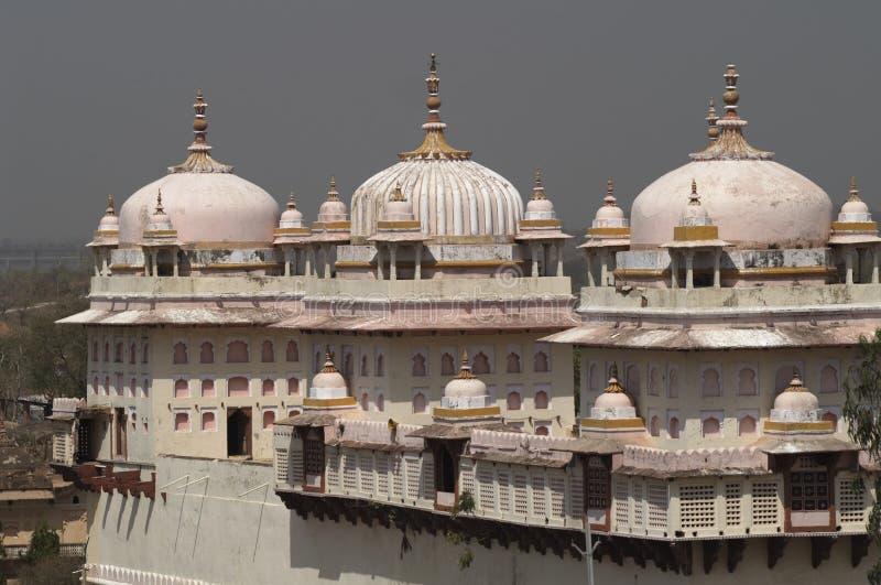 hinduiskt rosa tempel arkivbilder