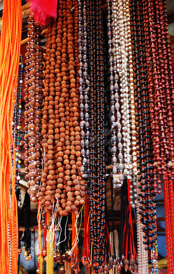 Hinduistische fromme Gewinde stockfotos