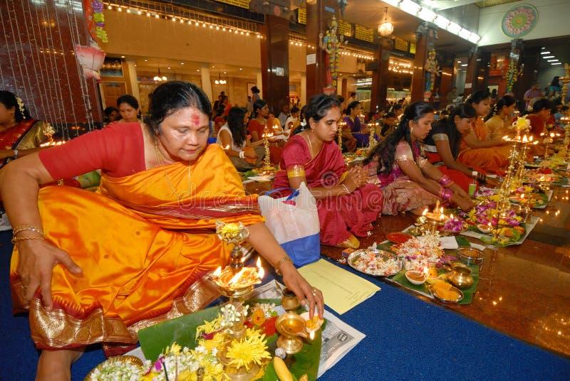 Hinduistische Gebete stockbilder