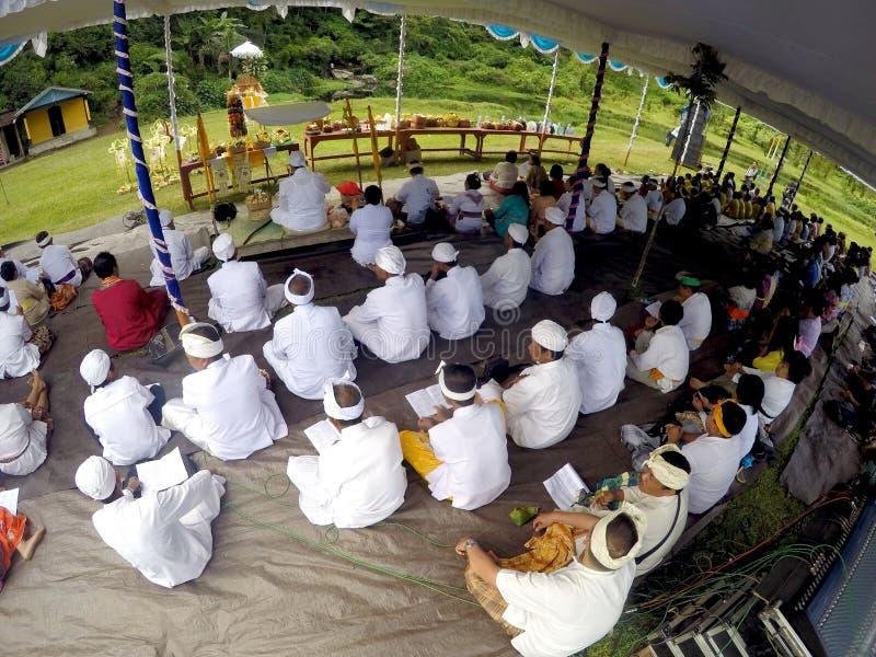 Hindus bidt stock afbeeldingen
