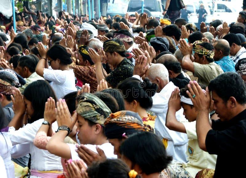 Hindus bidt stock foto's