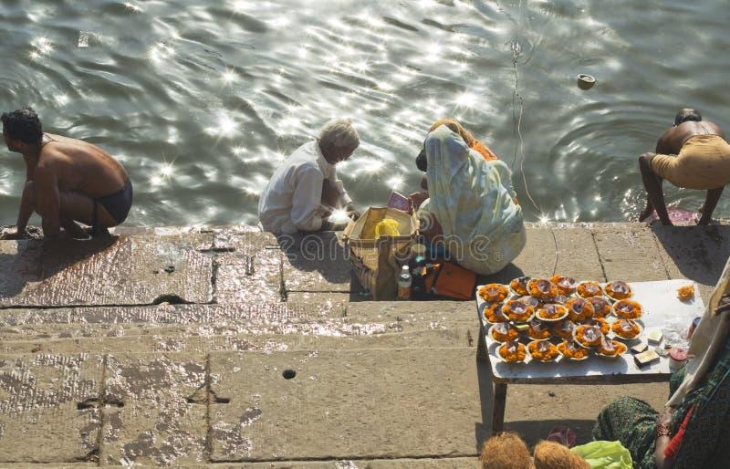 Hindus på Varanasi royaltyfri foto