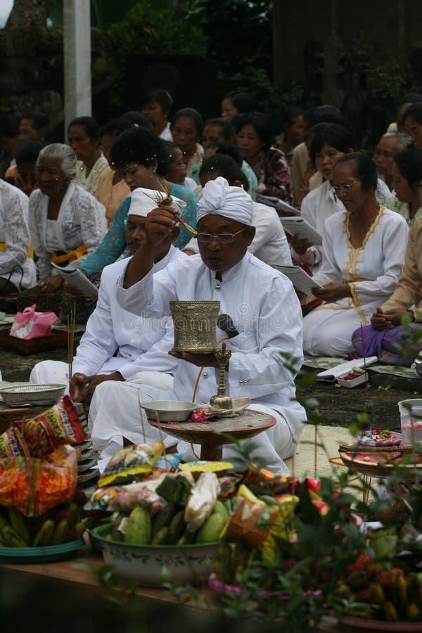 Download Hindus pray editorial photo. Image of hindus, indonesia - 35621896