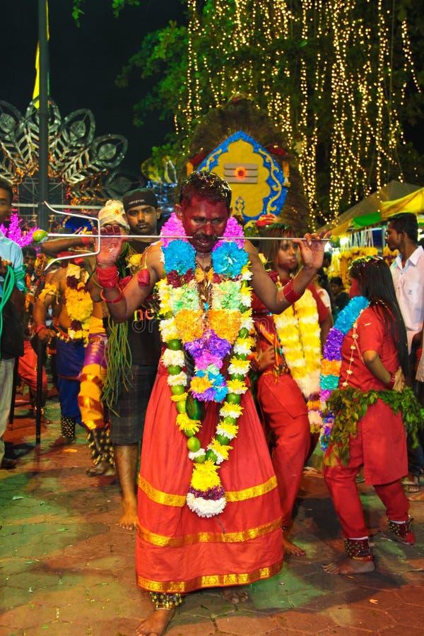 Download Hinduski na pielgrzymce obraz stock editorial. Obraz złożonej z wakacje - 28970639