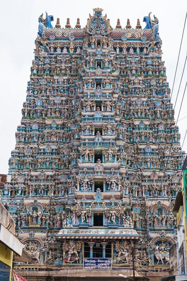 Hinduskiej świątyni wejścia wierza w tamil nadu fotografia royalty free