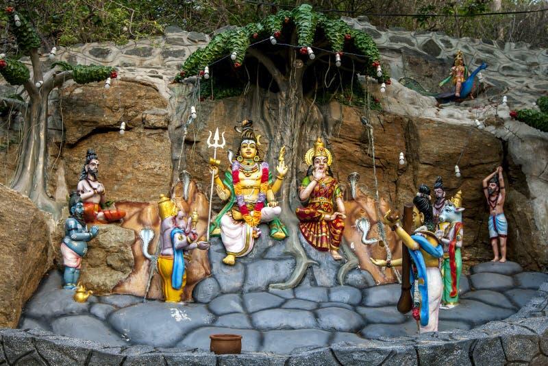 Hinduszene am Koneswaram Kovil bei Trincomale lizenzfreie stockfotografie