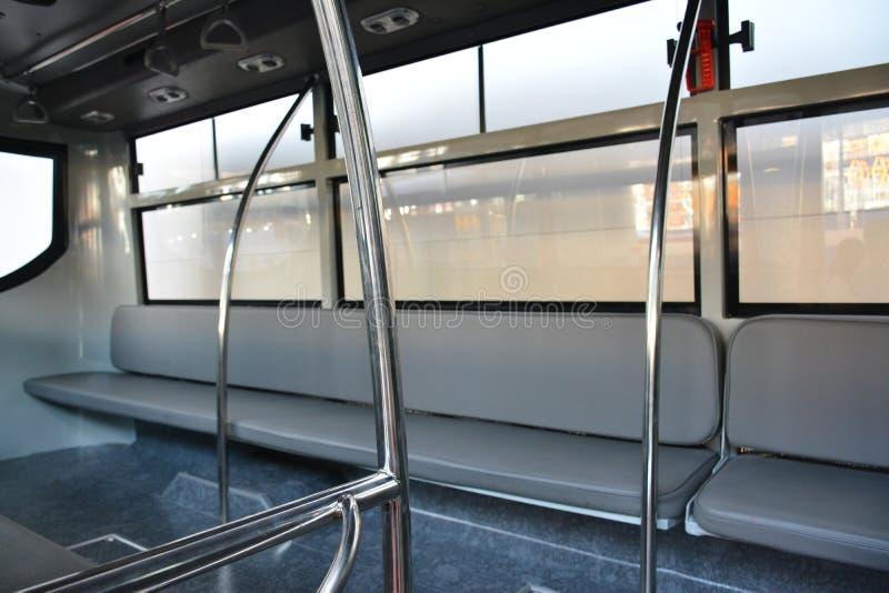 Hino public utility Vehicle interior, assentos no interior de Philauto show em Pasay, Filipinas imagem de stock