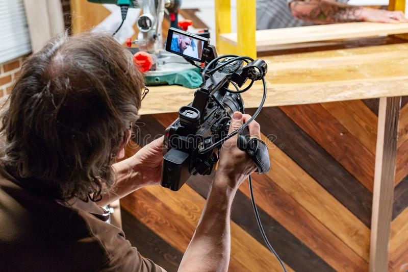 Hinter den Kulissen von der Videoproduktion oder vom Videodreh lizenzfreie stockbilder