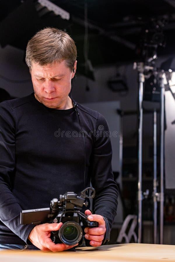 Hinter den Kulissen von der Videoproduktion oder vom Videodreh lizenzfreie stockfotografie