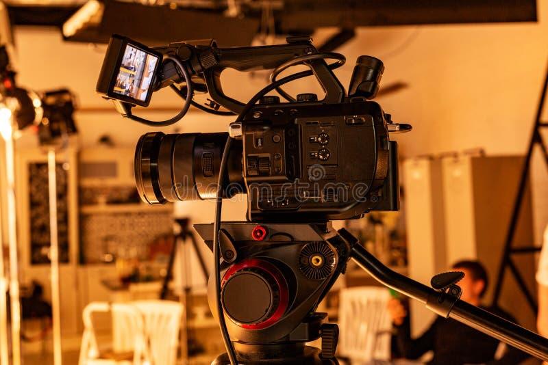 Hinter den Kulissen von der Videoproduktion oder vom Videodreh stockbild