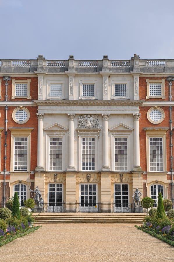 Hinterer Eingang zum Hampton Court-Palast lizenzfreie stockfotos