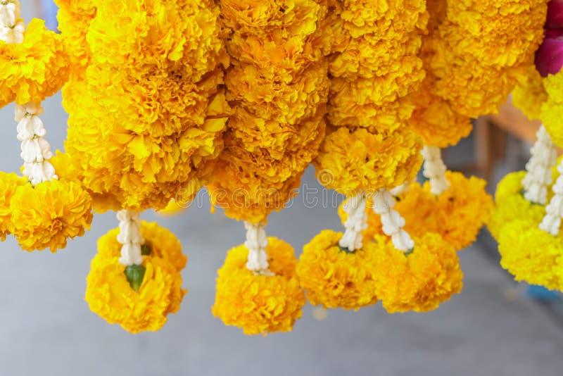 Hintergrund der Blumengirlanden in der thailändischen Art thailand stockfoto