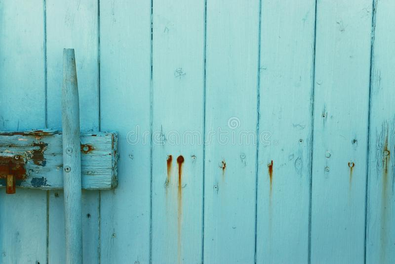Hintergrund der hölzernen Beschaffenheit des alten hellblauen Schmutzes Teil der antiken alten T?r stockbild
