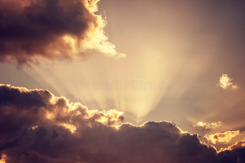 Hintergrund des bewölkten Himmels stockfotos