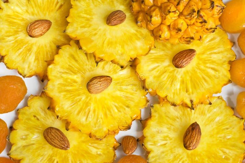 Hintergrund mit Ananas stockfotografie