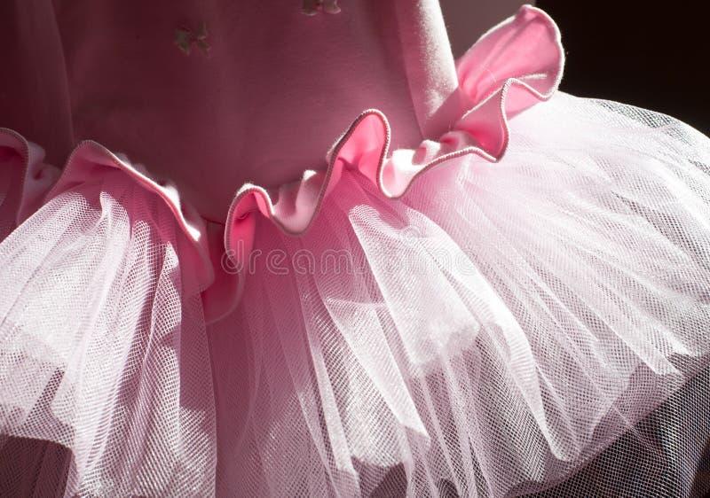 Hintergrund vom Rosa umsäumt Ballettröckchen stockbilder