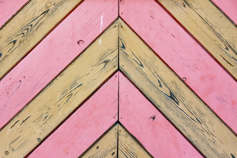 Hintergrund von den Brettern der rosa und natürlichen Farbe lizenzfreies stockfoto
