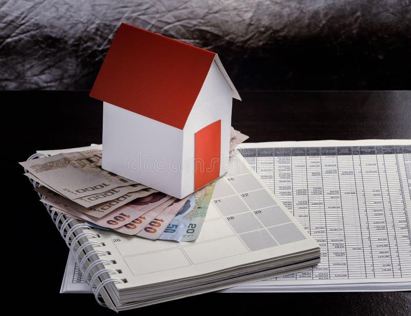 Hipoteca, inversión, propiedades inmobiliarias y concepto de la propiedad imagen de archivo