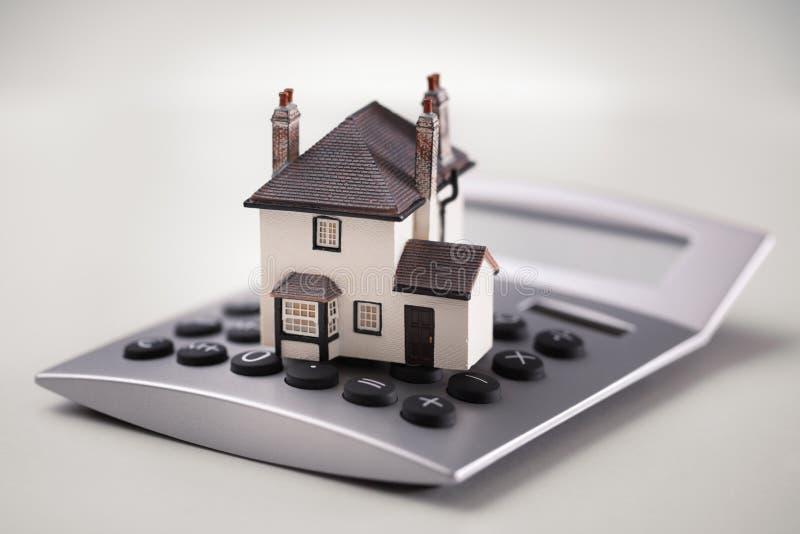 Hipoteque la calculadora foto de archivo libre de regalías