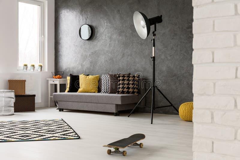 Hippie art graues wohnzimmer stockfoto bild von innen haupt 69044308 - Graues wohnzimmer ...