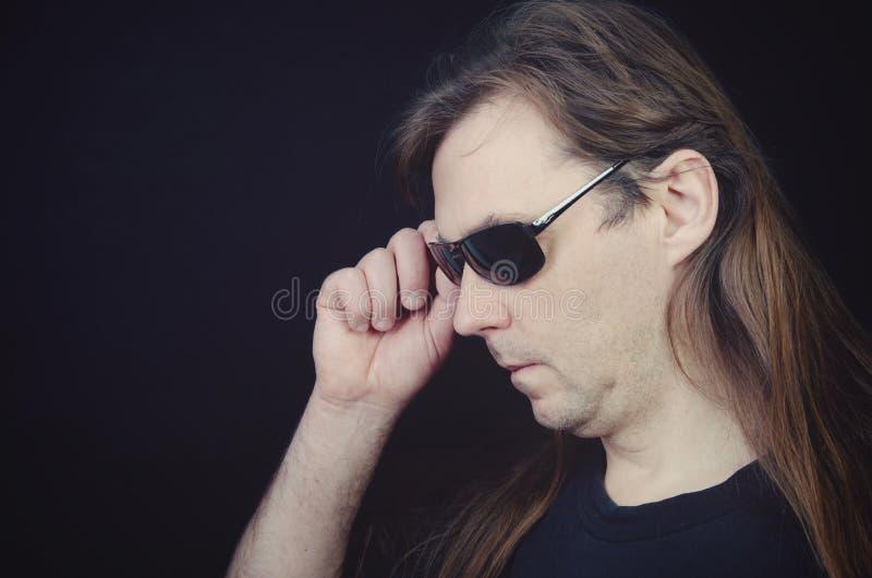 hippie avec de longs cheveux images libres de droits