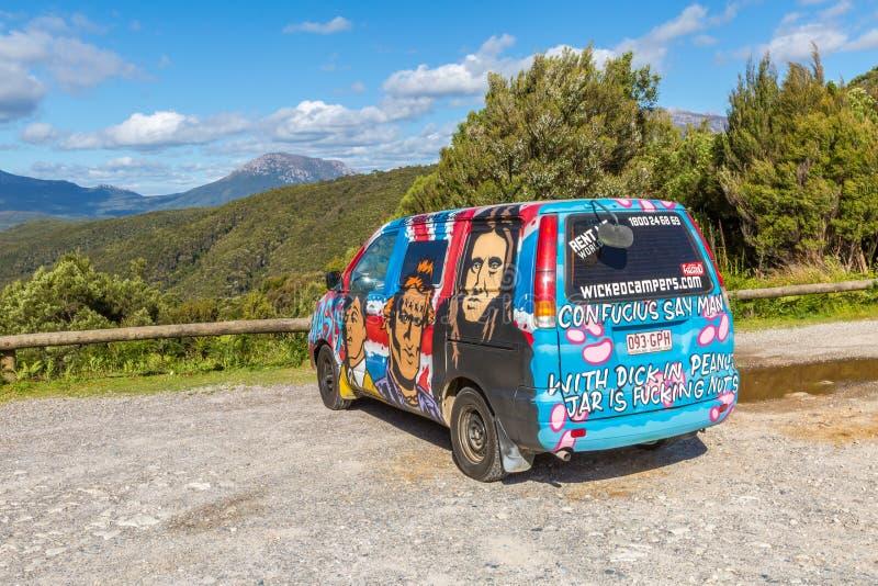 Hippie Van, paisagem australiana fotos de stock royalty free