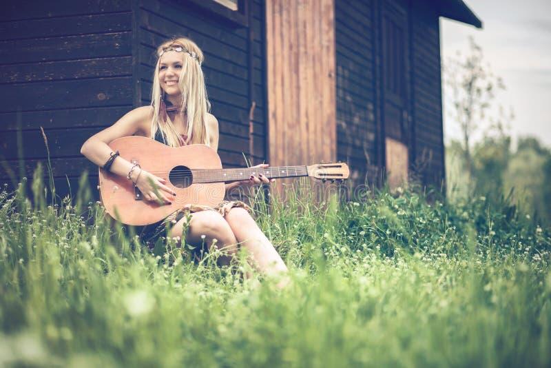 Hippiefrau lizenzfreies stockfoto