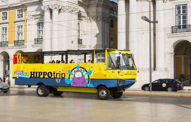 Hippotrip buss i Lissabon arkivfoton