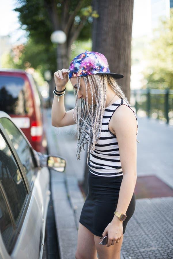 Hipster jonge vrouw royalty-vrije stock afbeeldingen