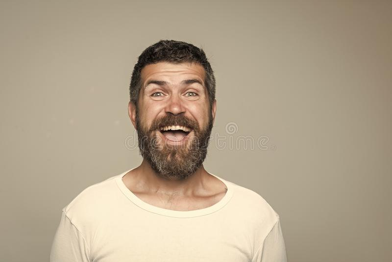 Hipster met gelukkig gezicht stock afbeelding