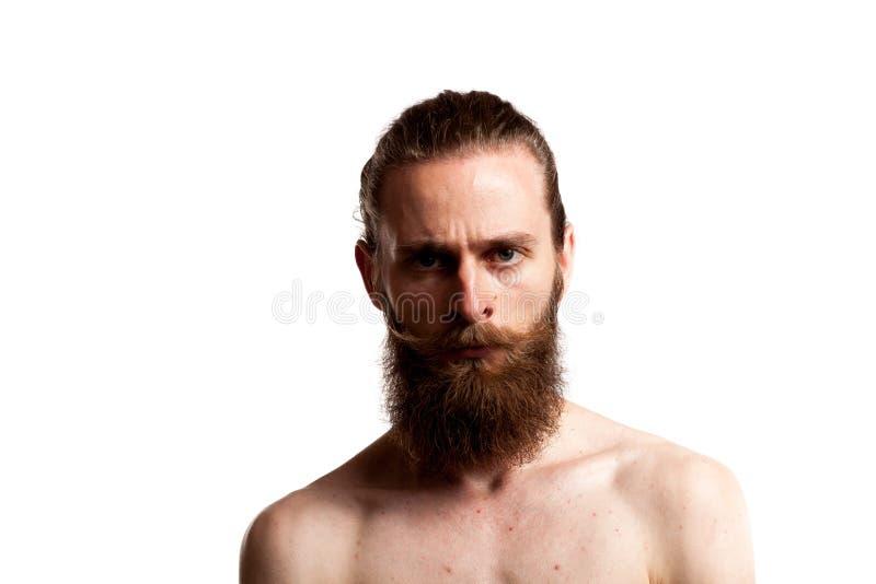 Hipster met lange baard over witte achtergrond royalty-vrije stock foto's