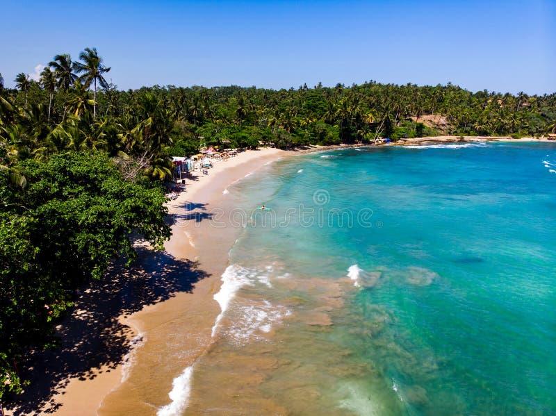 Hiriketiya plaża w Sri Lanka widoku z lotu ptaka zdjęcia royalty free