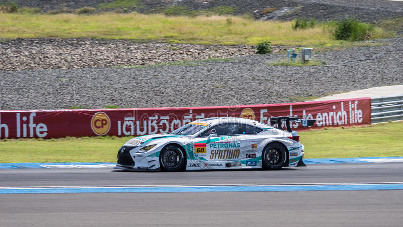 Hiroki Yoshimoto van LM-corsa in Super de Race van GT Definitieve Opwarmingsoverlapping royalty-vrije stock afbeelding
