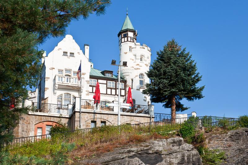 Hirten- Klippe, Stadt Decin, Nord-Böhmen, Tschechische Republik lizenzfreie stockfotos