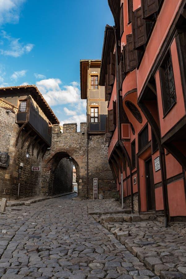 Hisar Kapia - старинные ворота в городке Пловдива старом, Болгарии стоковые фото