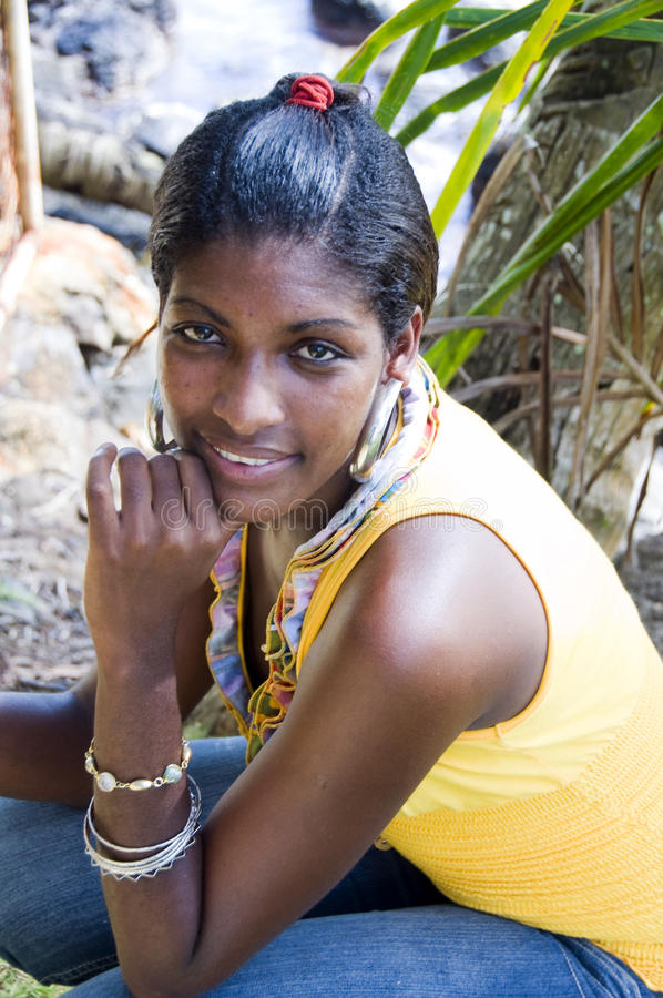 Hispanische schwarze Frau Nicaragua stockfotos