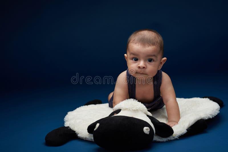 Hispanisches Baby lizenzfreie stockfotos