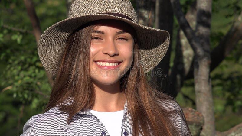 Hispanos adolescentes Latina de la muchacha fotos de archivo libres de regalías
