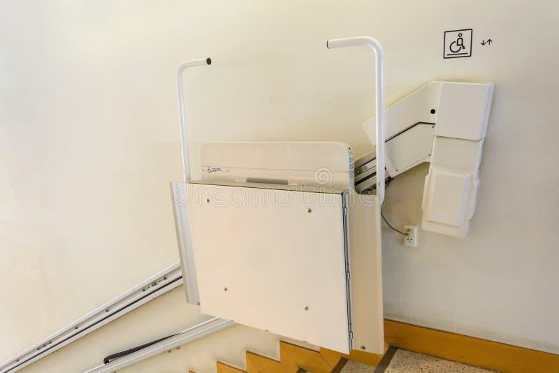 Hiss för handikappade personer royaltyfria bilder