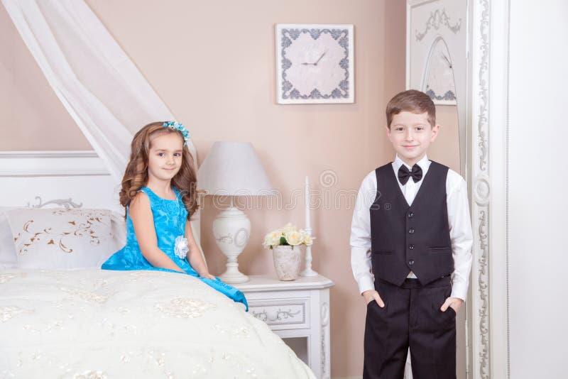 Histoire d'amour d'enfants photographie stock libre de droits