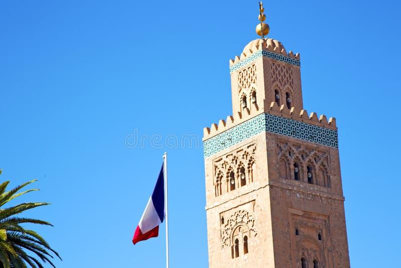 historia i himmel för marocafrica fransk vinkande flagga royaltyfria foton