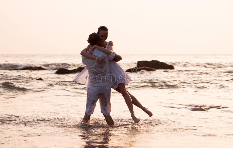 Historia miłosna na plaży zdjęcie stock
