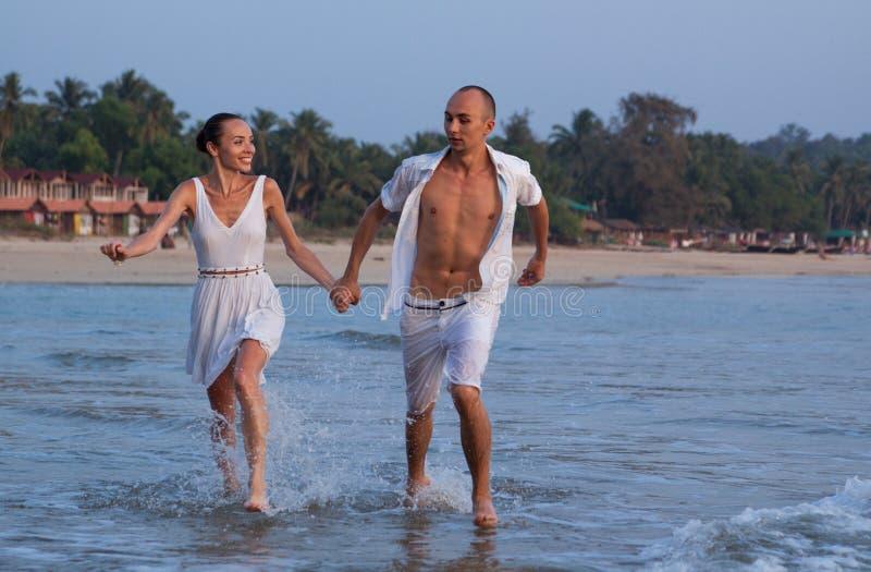 Historia miłosna na plaży zdjęcie royalty free
