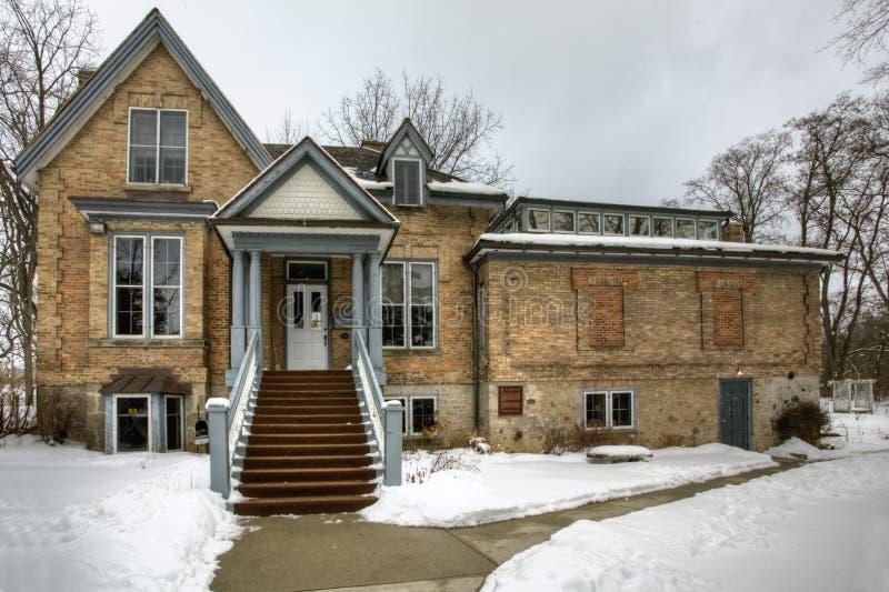 Historik Homer Watson House i Kitchener, Kanada på vintern arkivbilder