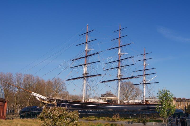 Historisch Brits die schip in dok in Londen Europa wordt geparkeerd royalty-vrije stock foto