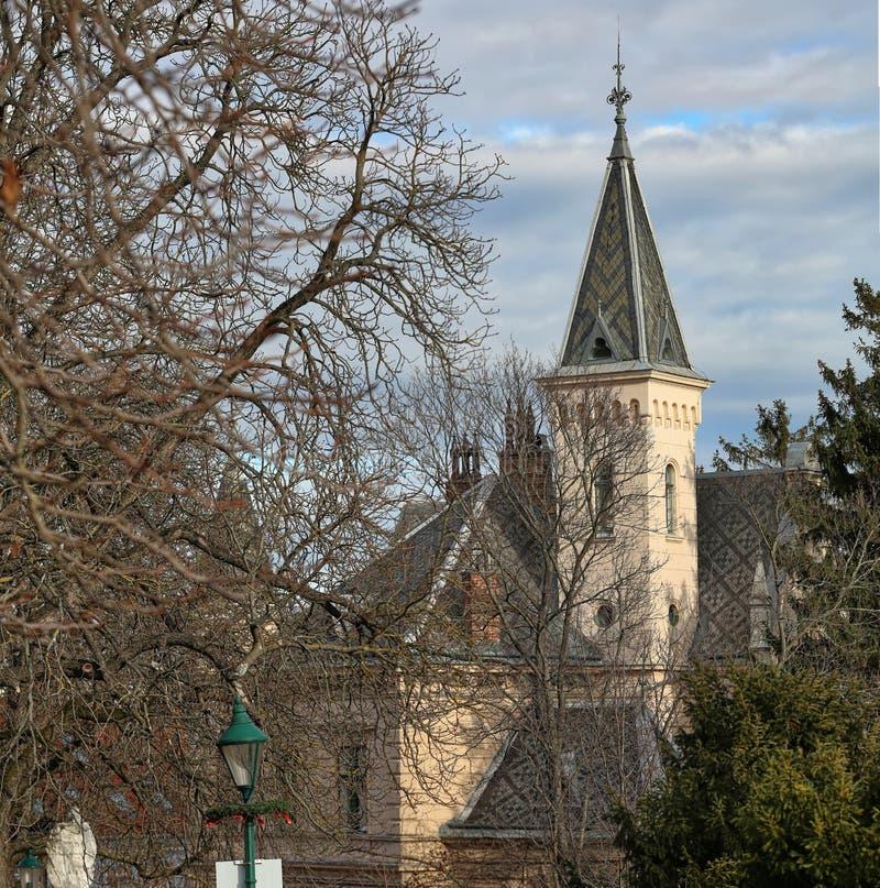 Historisch centrum van de stad van Moedling op een zonnige de winterdag Moedling, Lager Oostenrijk stock foto